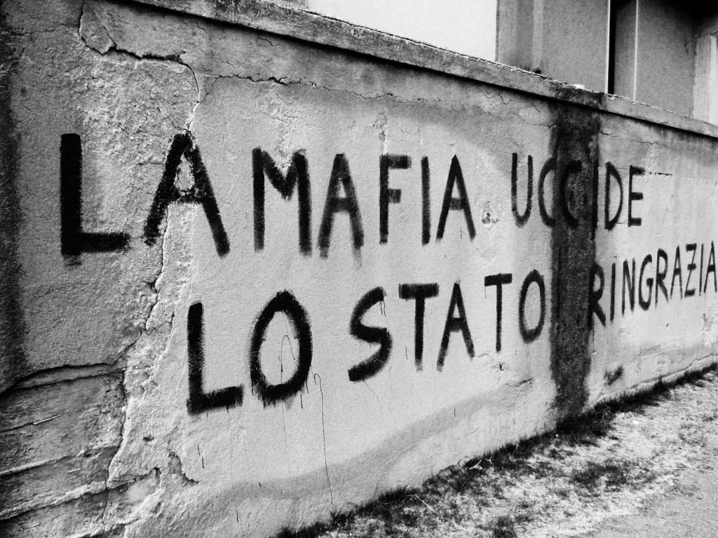 """""""La trattativa Stato-mafia c'è stata e c'è ancora"""""""