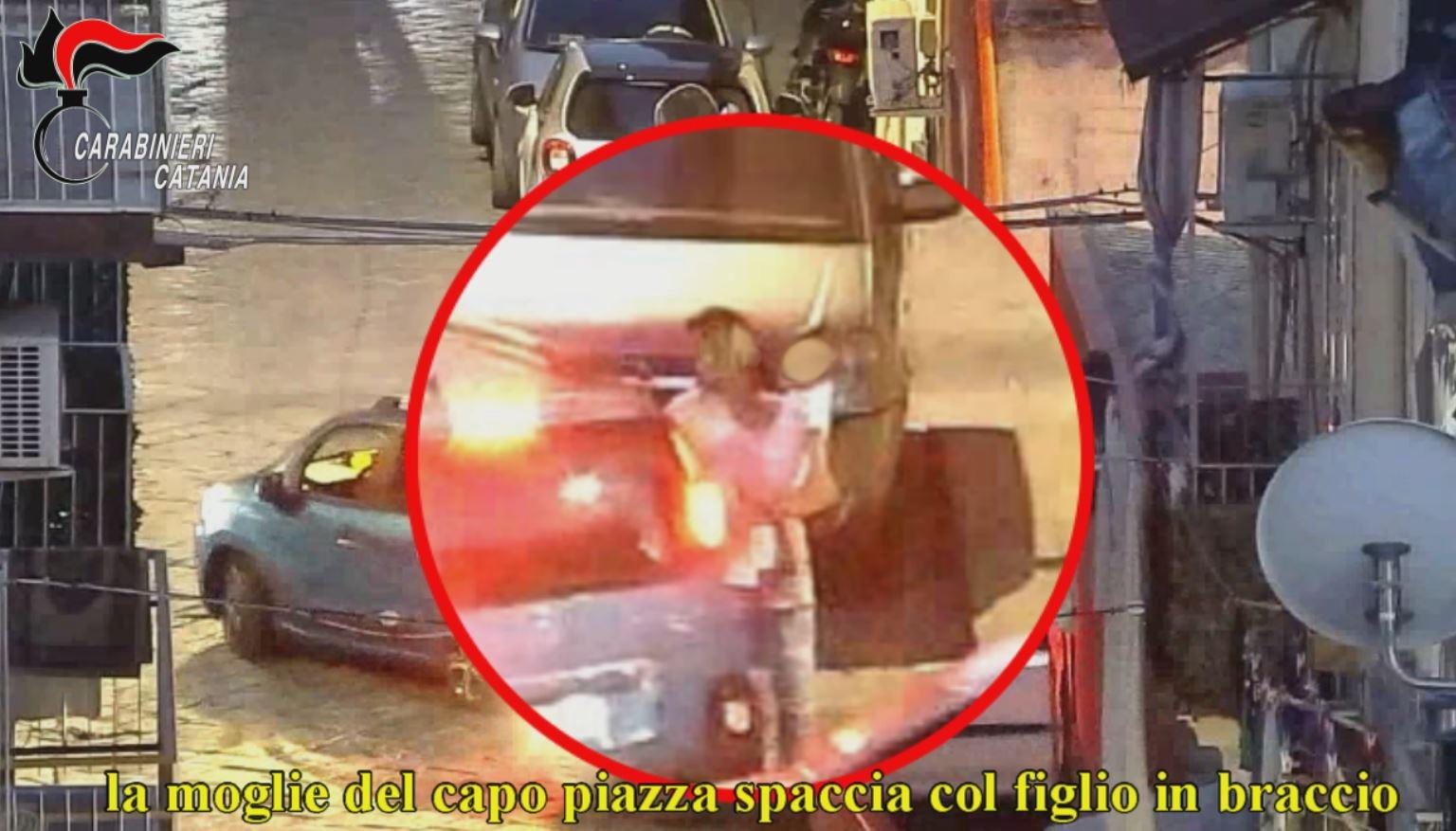 Espugnato dai carabinieri il fortino della droga a San Cristoforo: 25 arresti