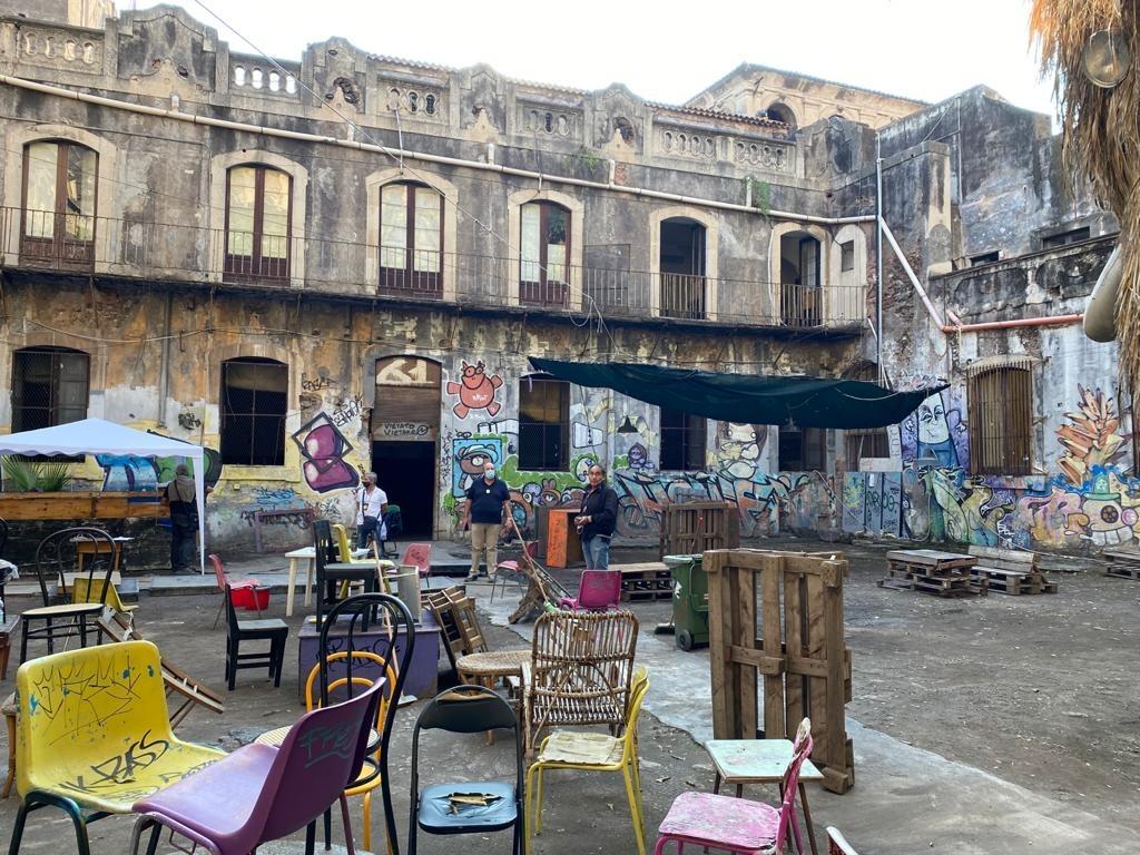 """Catania, due buone notizie: sgomberato il CSO Auro ed """"esperimento"""" pedonale in zona Castello Ursino"""