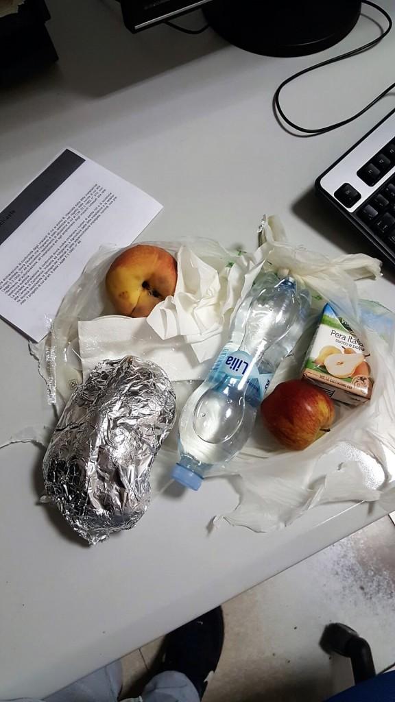 sacchetto-serale-mensa-polizia-2-.jpg