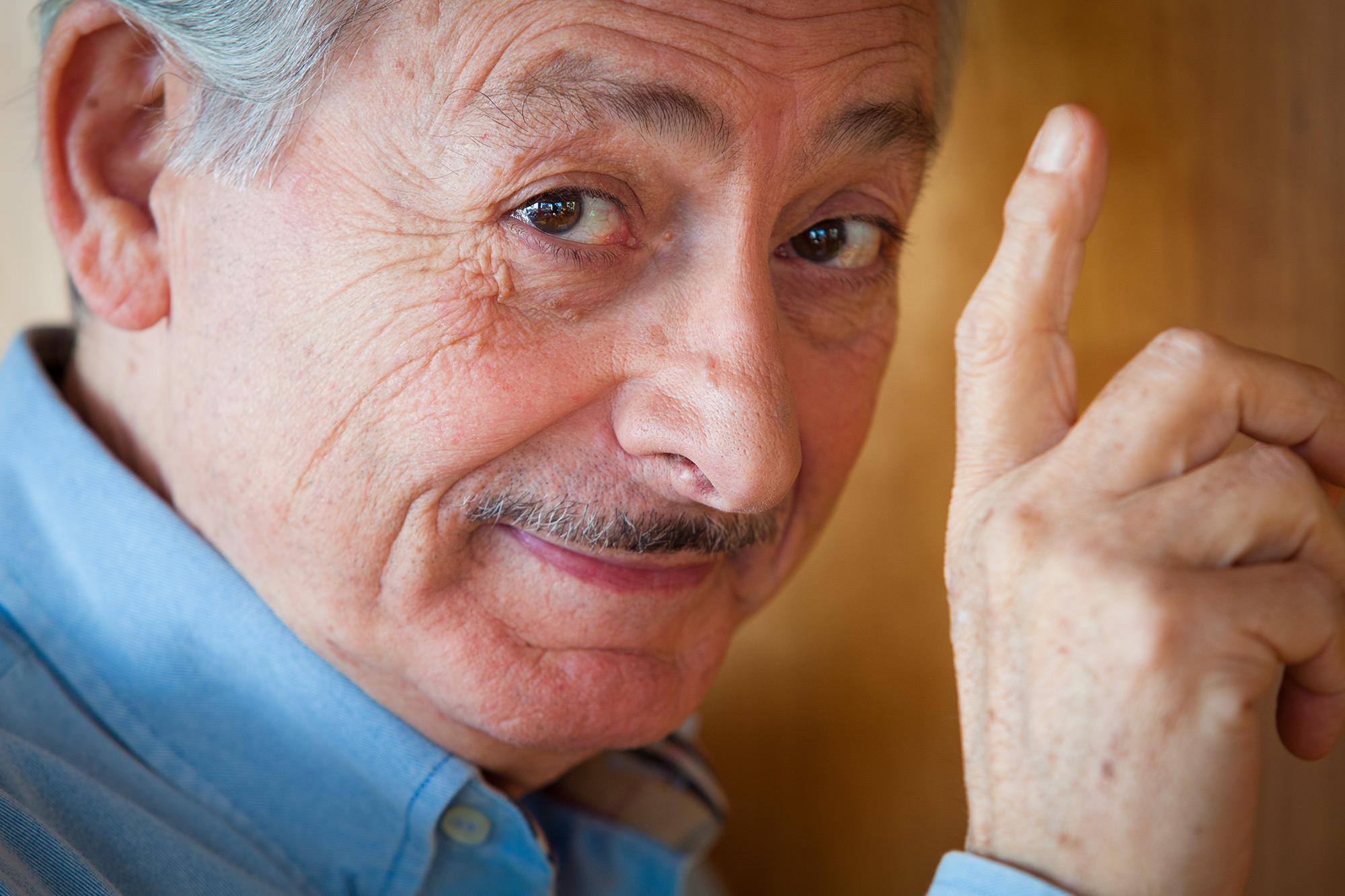 Leo Gullotta: auguri di cuore per i suoi magnifici 75 anni