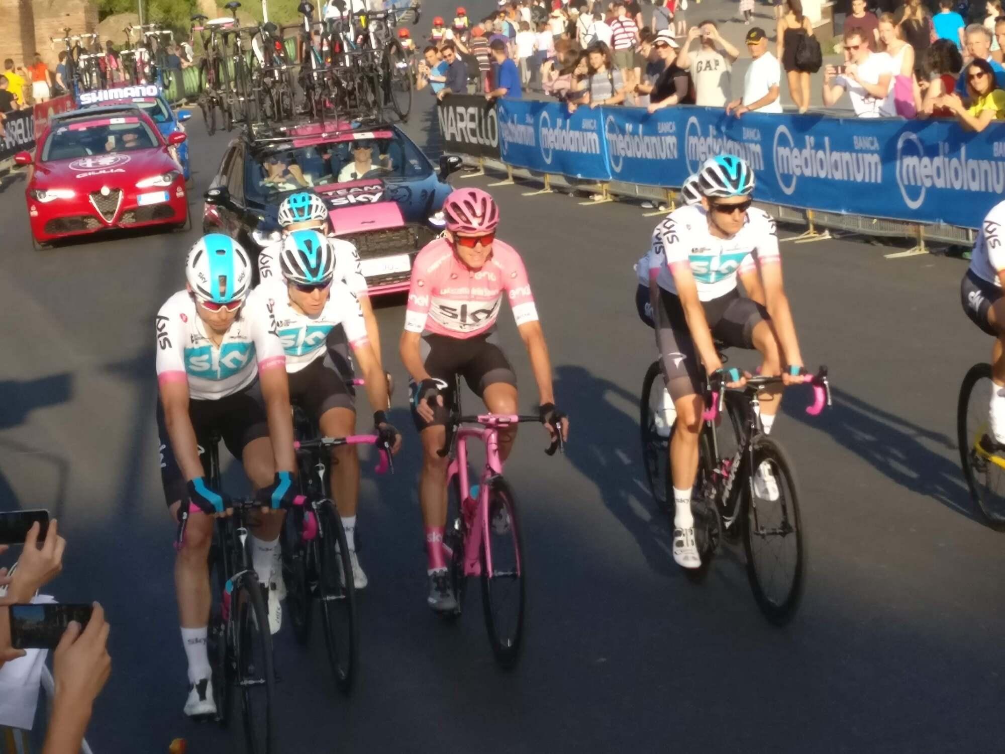 Ciclismo, presentato il Giro di Sicilia 2019: 4 tappe suggestive con epilogo sull'Etna