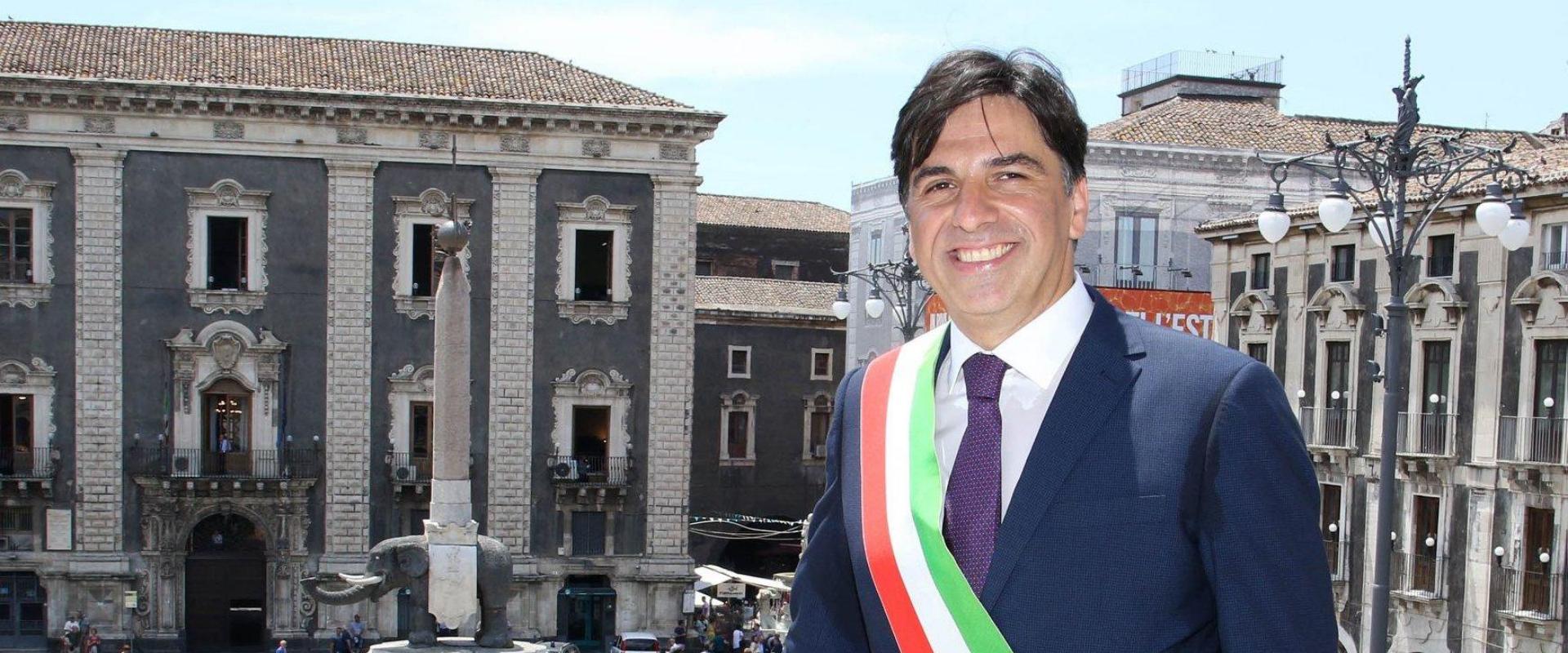 """La lettera ai catanesi del sindaco Pogliese: """"Capitano non giocatore"""""""
