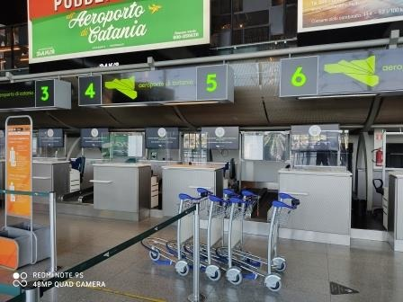 Aeroporto Fontanarossa, 50€ per chiudere un occhio sul peso dei bagagli
