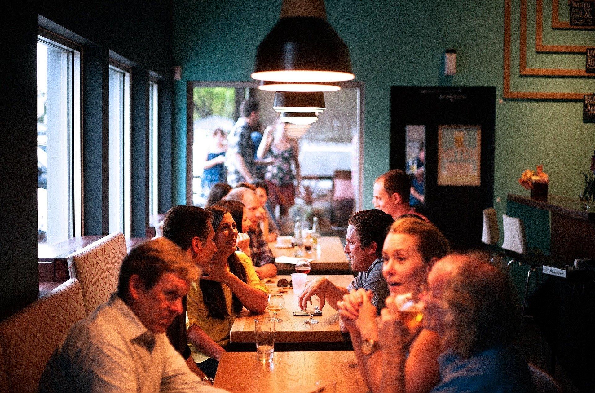 restaurant-6909751920-1602664829.jpg