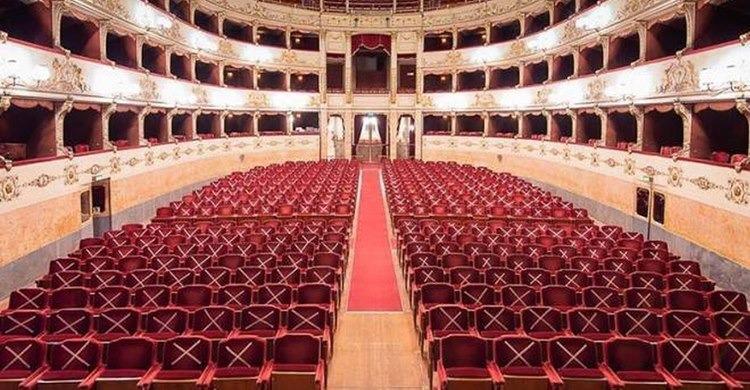 """Laura Sicignano: """"I Teatri sono i luoghi più sicuri del mondo, perché chiuderli?"""""""